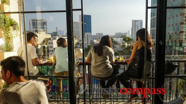 Cool cafes, Nguyen Hue St
