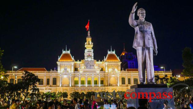 Uncle Ho and Ho Chi Minh City People's Committee Building