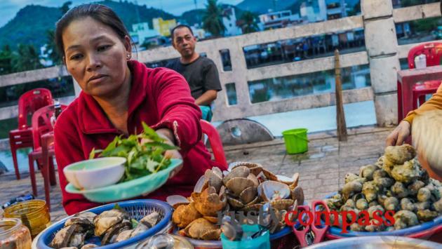 Seafood on the street, Nha Trang