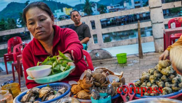 Seafood on the street, Nha Trang