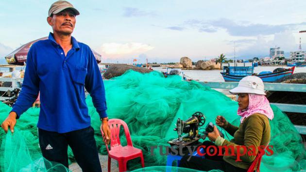 Repairing fishing nets - Nha Trang