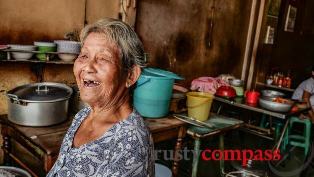 Madam Nhut Ky - Nhut Ky eatery, Vung Tau