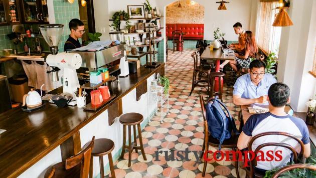 Okkio Coffee, Saigon