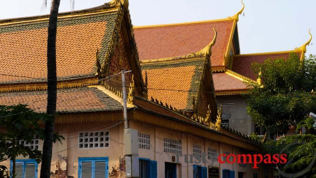 Traditional Wat architecture, Phnom Penh