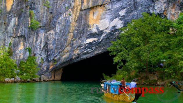 Entering Phong Nha Cave