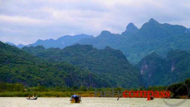 Boat to Phong Nha Cave
