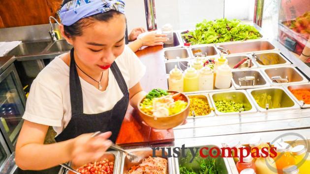 Poke Saigon - customising a poke bowl