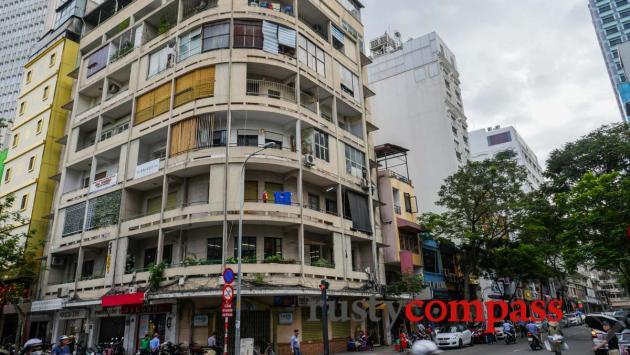 Hai Ba Trung St modernist apartment, Ho Chi Minh City