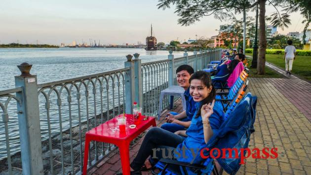 Friendly faces - Saigon river walk