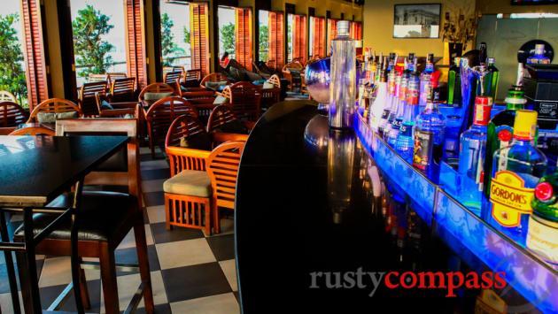 Saigon Saigon Bar, Caravelle Hotel