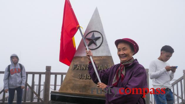 The Fansipan summit - a patriotic outpouring
