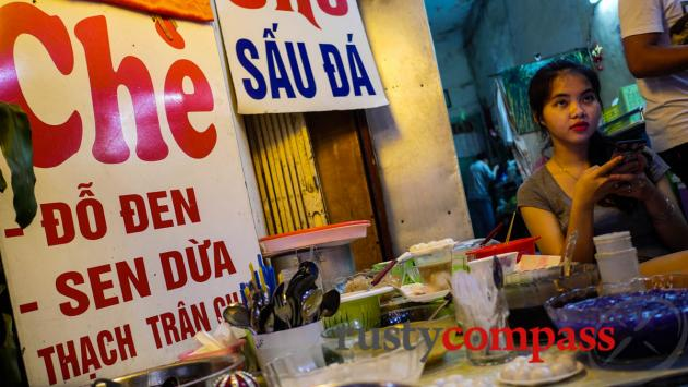 Che and Sugarcane Juice, Hang Dieu, Hanoi