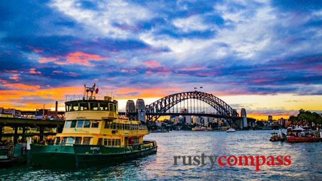 Sydney ferry and the Harbour Bridge
