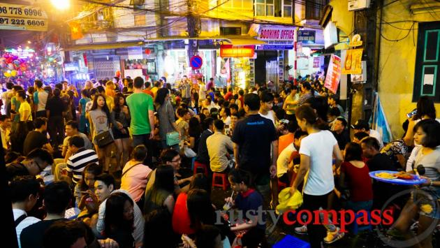 Ta Hien St Hanoi - the street party