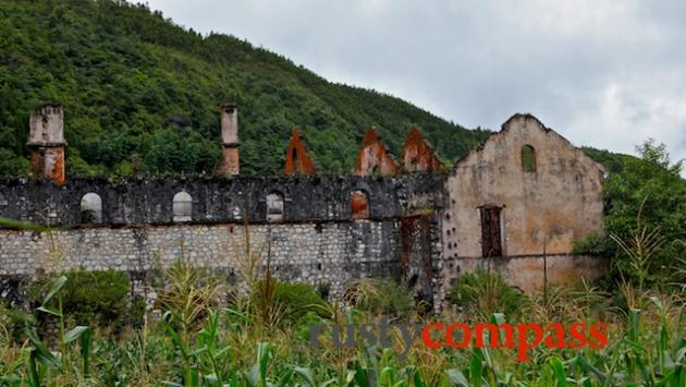 The ruined Catholic monastery enroute to Ta Phin