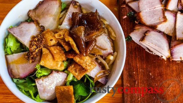 Thai Phien St local eateries, Hoi An