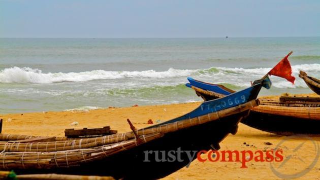 Thuan An Beach,