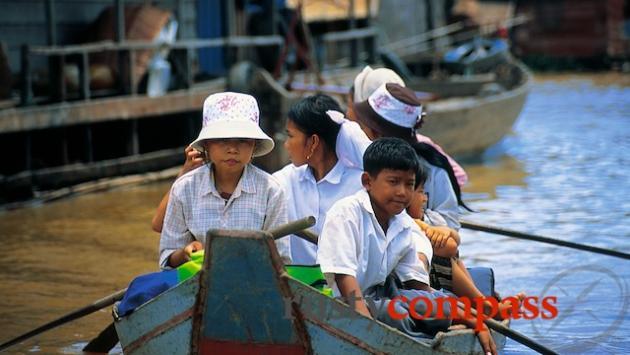 School boat on Ton Le Sap