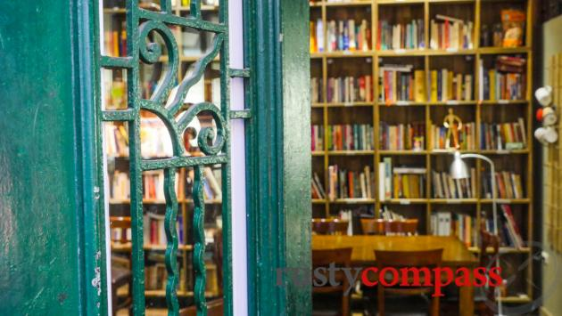 Tranquil Books and Coffee, Hanoi