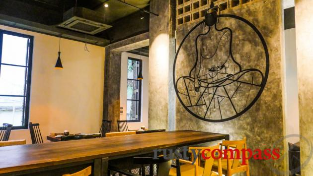 Uu Dam Chay, Vegan Restaurant, Hanoi