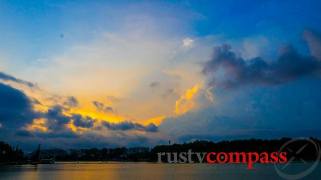 Sunset over Dalat's Ho Xuan Huong - Xuan Huong Lake