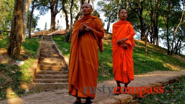 Monks visiting Wat Phnom