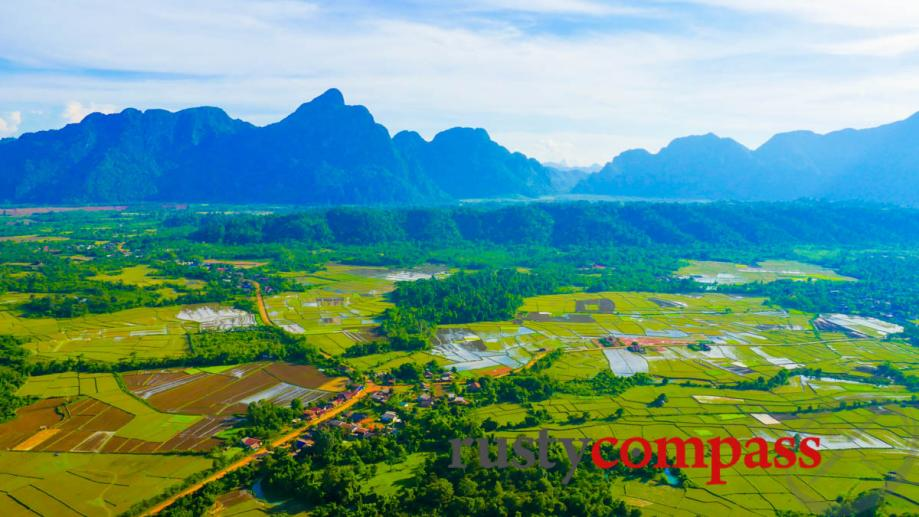The incredible viewpoint over the mountains, Vang Vieng