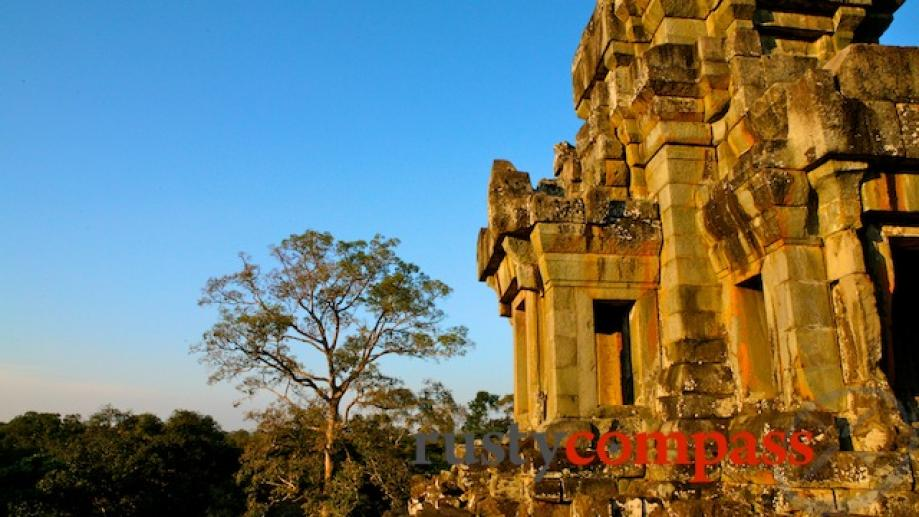 10th century Takeo pre- dates Ta Prohm and Preah Khan....