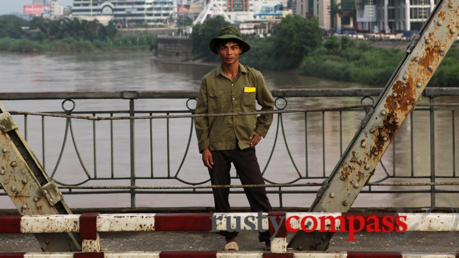 Lao Cai town - the Red River will take you...