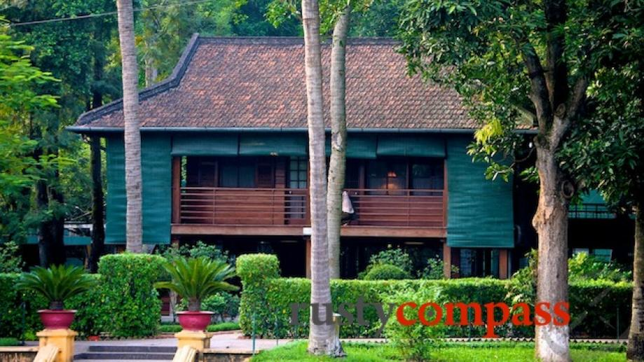Vietnam's wartime White House - Uncle Ho's simple house on...
