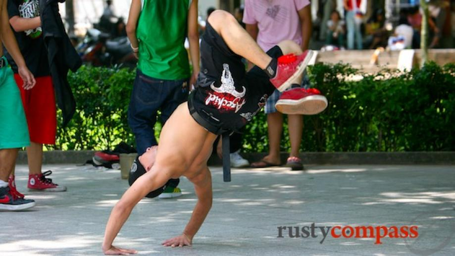 Breakdancing in Lenin Park , Hanoi
