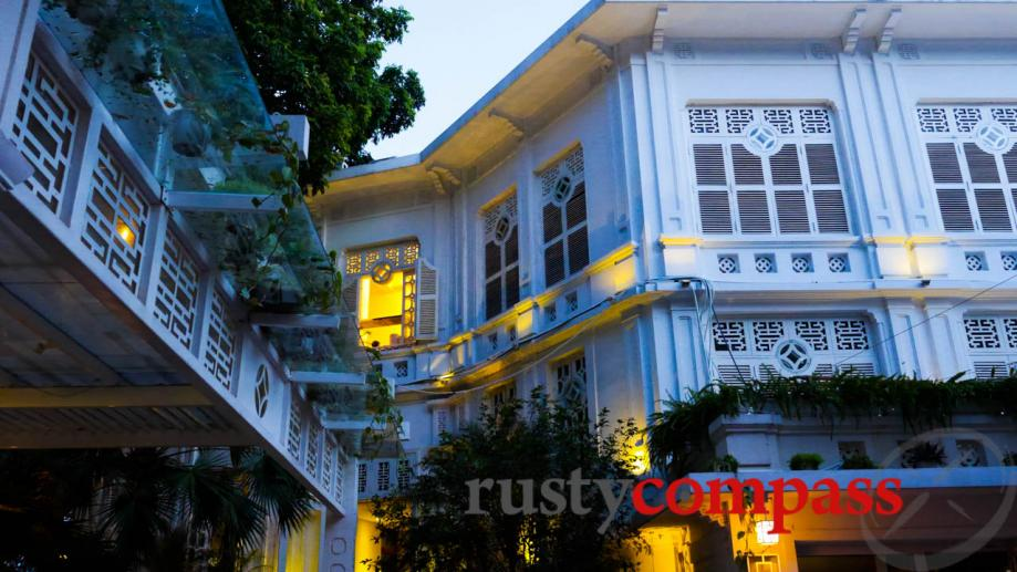 Luc Thuy Restaurant and Cafe is right by Hoan Kiem...
