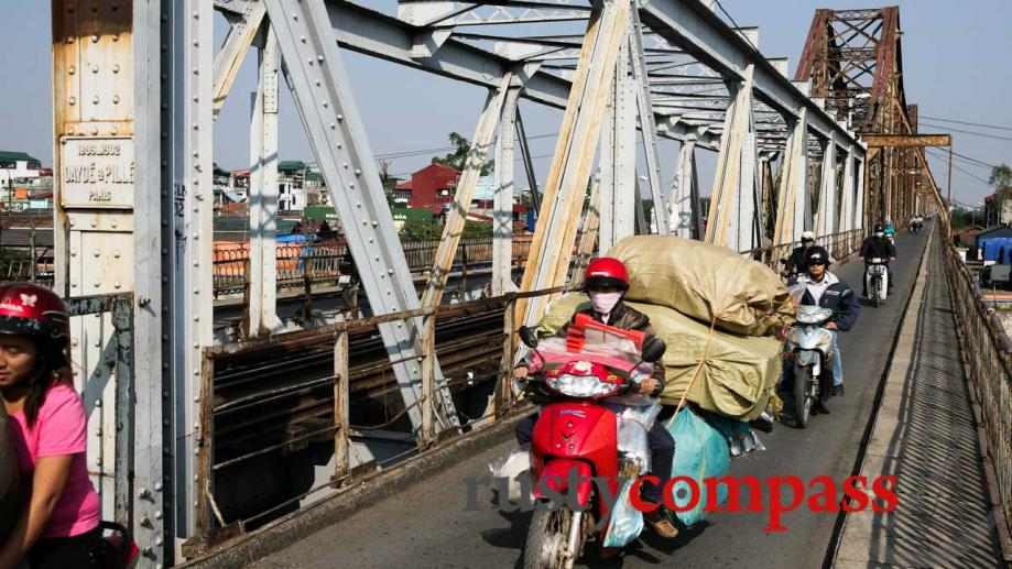 Long BIen Bridge, Hanoi. It was known as Paul Doumer...