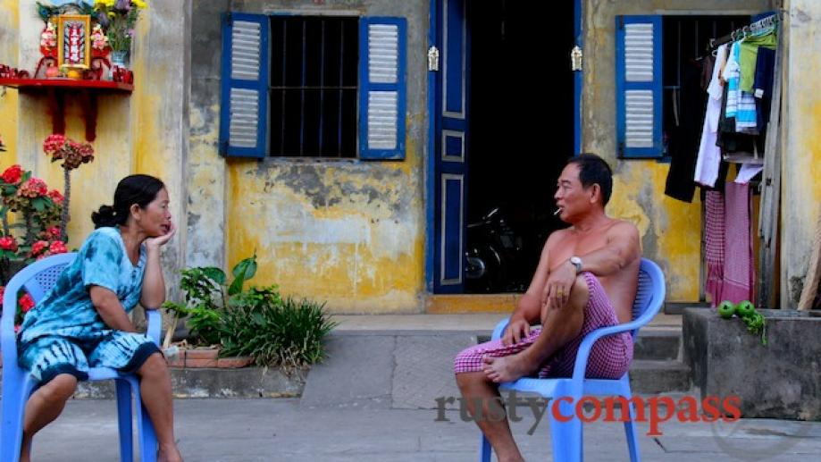 A Chinese couple keep their distance. Kampot