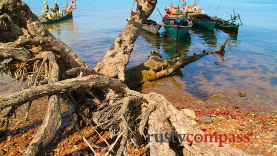 Near the crab market, Kep