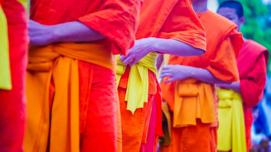 Morning alms giving - Luang Prabang, Laos