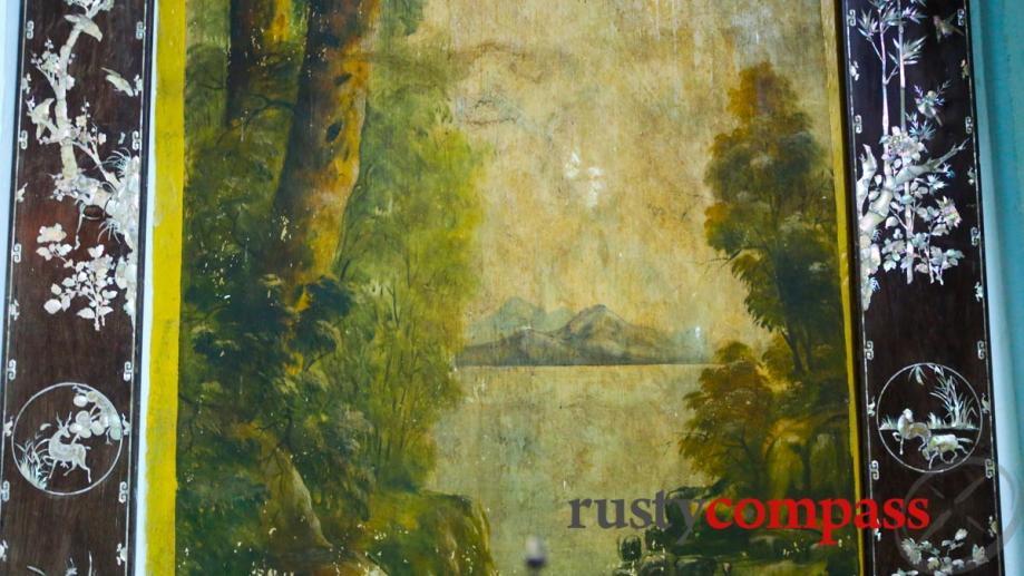 Landscape paintings, Le Cong Bich's worship house.
