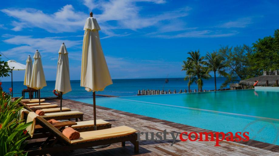Chen Sea Resort, Phu Quoc - the pool.