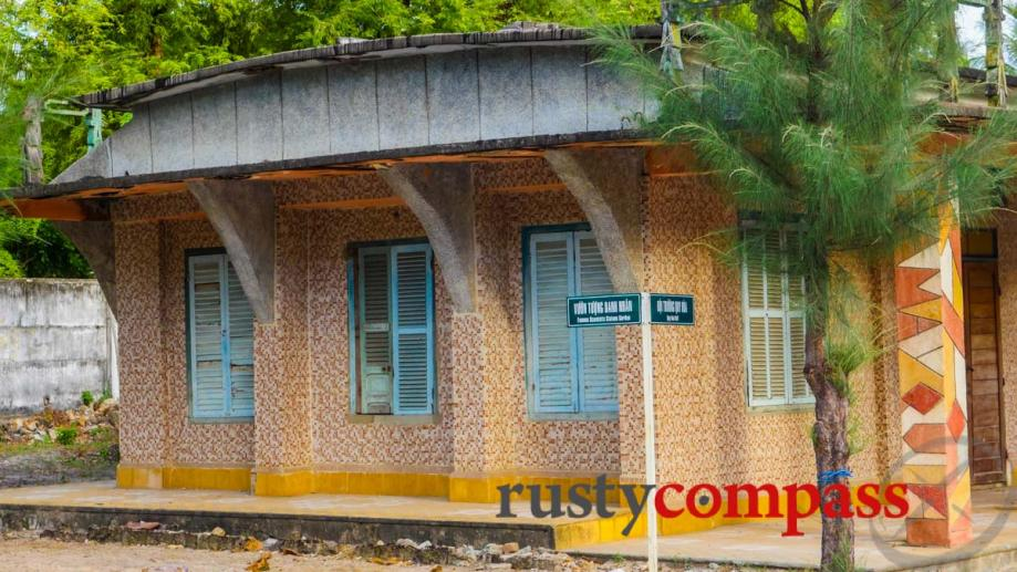 Cute colourful cottages - Quy Hoa, Quy Nhon