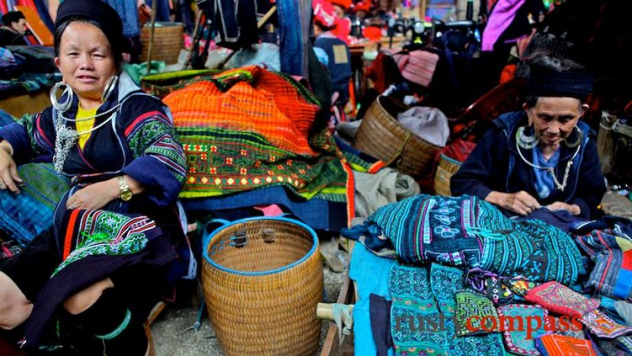 Day 3. Hmong women making and selling fabric in Sapa's...