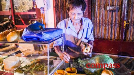 Saigon living treasure: Mach Chay's banh mi stand
