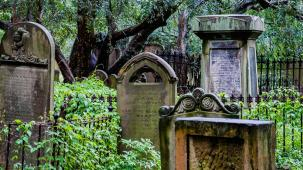 Cemeteries and tombs - a travel guide