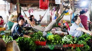 Slice of life Vietnam - Chau Doc market