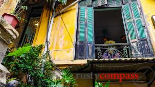 Hanoi's coolest crumbling colonial era building?