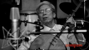 Kim Sinh and Dom Turner play tunes in Hanoi