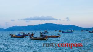 [Video] Afternoon cycle along the coast in Nha Trang, Vietnam
