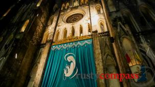 Slice of life Hanoi - Autumn night at St Joseph's cathedral