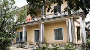 The Queen Mother's rundown residence, Hue
